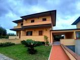 Villa quadrifamiliare in Vendita
